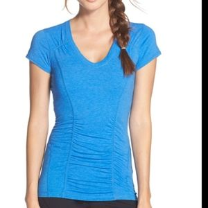 Zella ruched short sleeve exercise top large